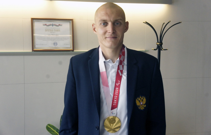 чемпион Паралимпиады в Токио Антон Кулятин