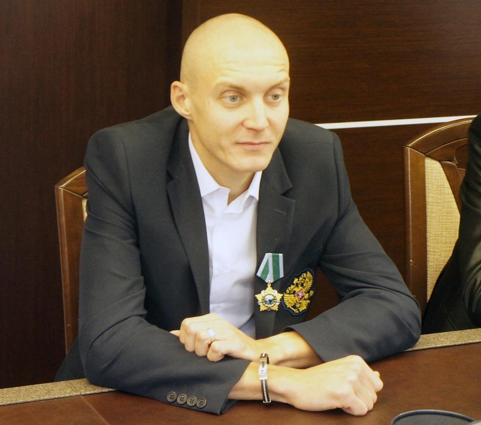 паралимпийский чемпион, бегун Антон Кулятин